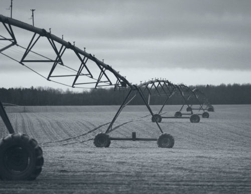 farm-field-watering-sprayer